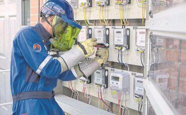 Contadores tradicionales de energía dan paso a medidores inteligentes